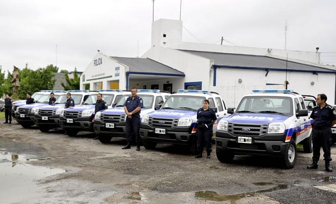 Entrega Vehiculos policia Campana