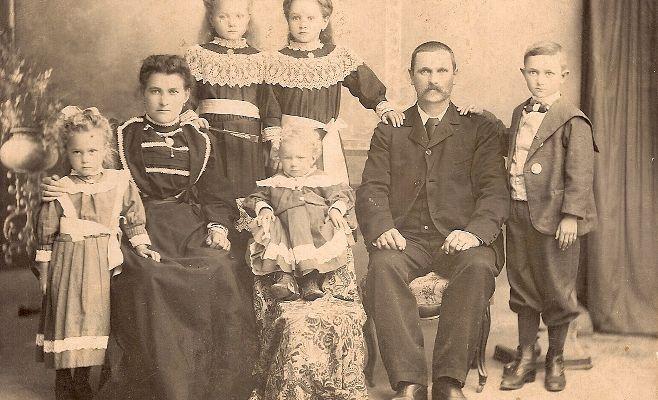 A. Bissacco y su familia Falconnet en Rosario