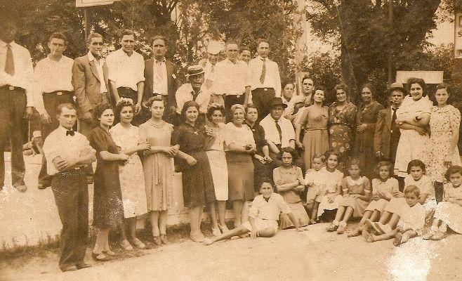 Grupo de personas, año 1936, escalada