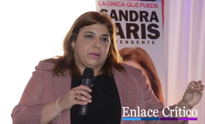 Sandra Paris 3