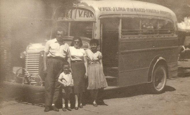 Grupo de personas, año 1958_