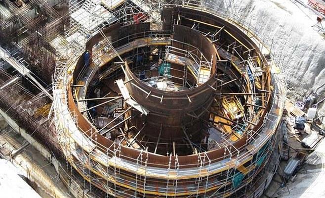 http://www.enlacecritico.com/wp-content/uploads/2019/01/Módulo-3-del-Liner-de-Contención-para-el-Reactor-Nuclear-CAREM-25-Aerea_658x400.jpg
