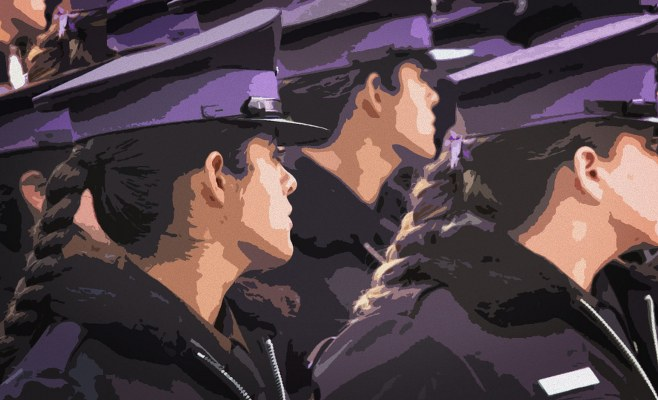 https://www.enlacecritico.com/wp-content/uploads/2019/10/Policias-feministas_01port_658x400.jpg