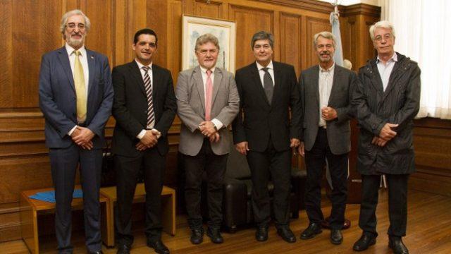 http://www.enlacecritico.com/wp-content/uploads/2020/01/Asumieron-las-nuevas-autoridades-de-Nucleoeléctrica-Argentina-_658x400-640x360.jpg