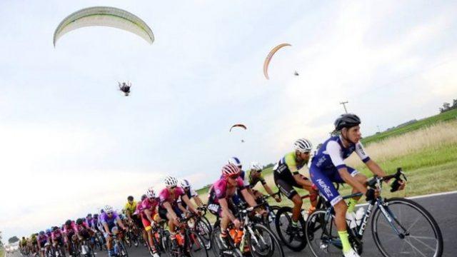 http://www.enlacecritico.com/wp-content/uploads/2020/01/ciclismo-Doble-Bragado-6°-800x445_658x400-640x360.jpg