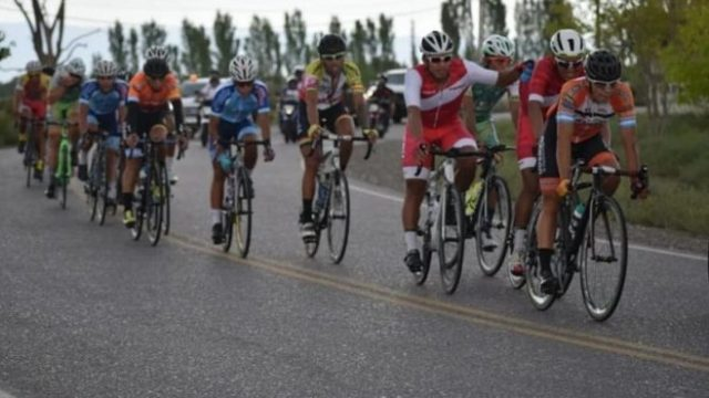 http://www.enlacecritico.com/wp-content/uploads/2020/01/ciclismo-doble-agua-800x445_658x400-640x360.jpg